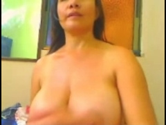 Sexy Real Paki Mature Milf Oiling & Wetting Herself On Cam