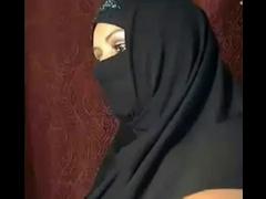 ALGERIAN WIFE SHOWS OFF----ARABIC