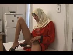 Femme Arabe En Hijab Se Masturbe