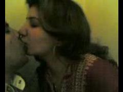 AUNTY KISS N SUK HUBB'S FRIEND DIK