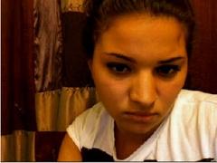 Cute Arab Girl Solo On Webcam