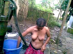 Indian amateur bbw kikis public flashing and outdoor voyeur